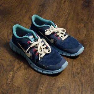 Girls Nike Free 5.0 shoes